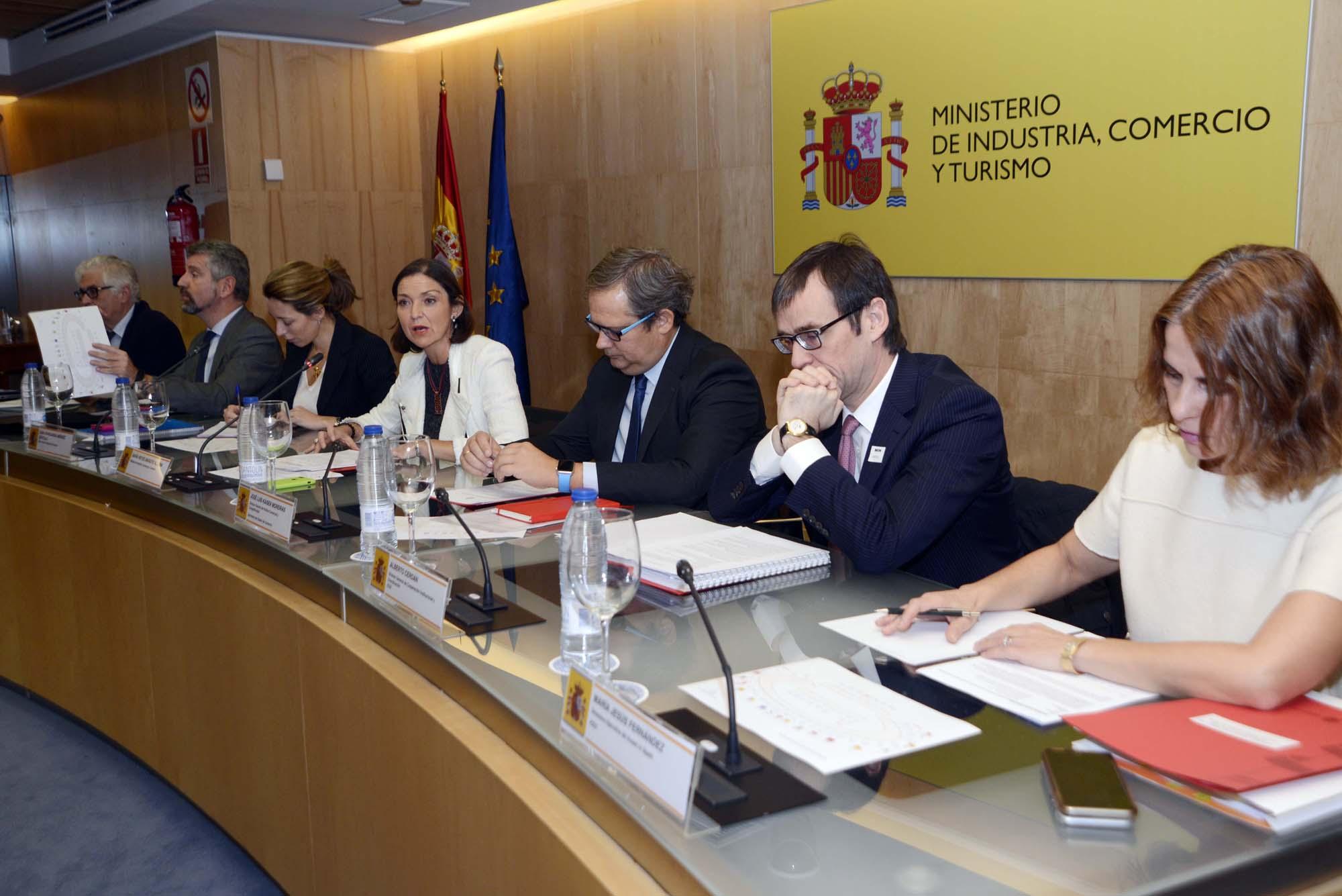 """Reyes Maroto: """"Hemos puesto en la agenda del Gobierno el comercio exterior para promocionar a las empresas españolas y atraer inversiones extranjeras"""""""