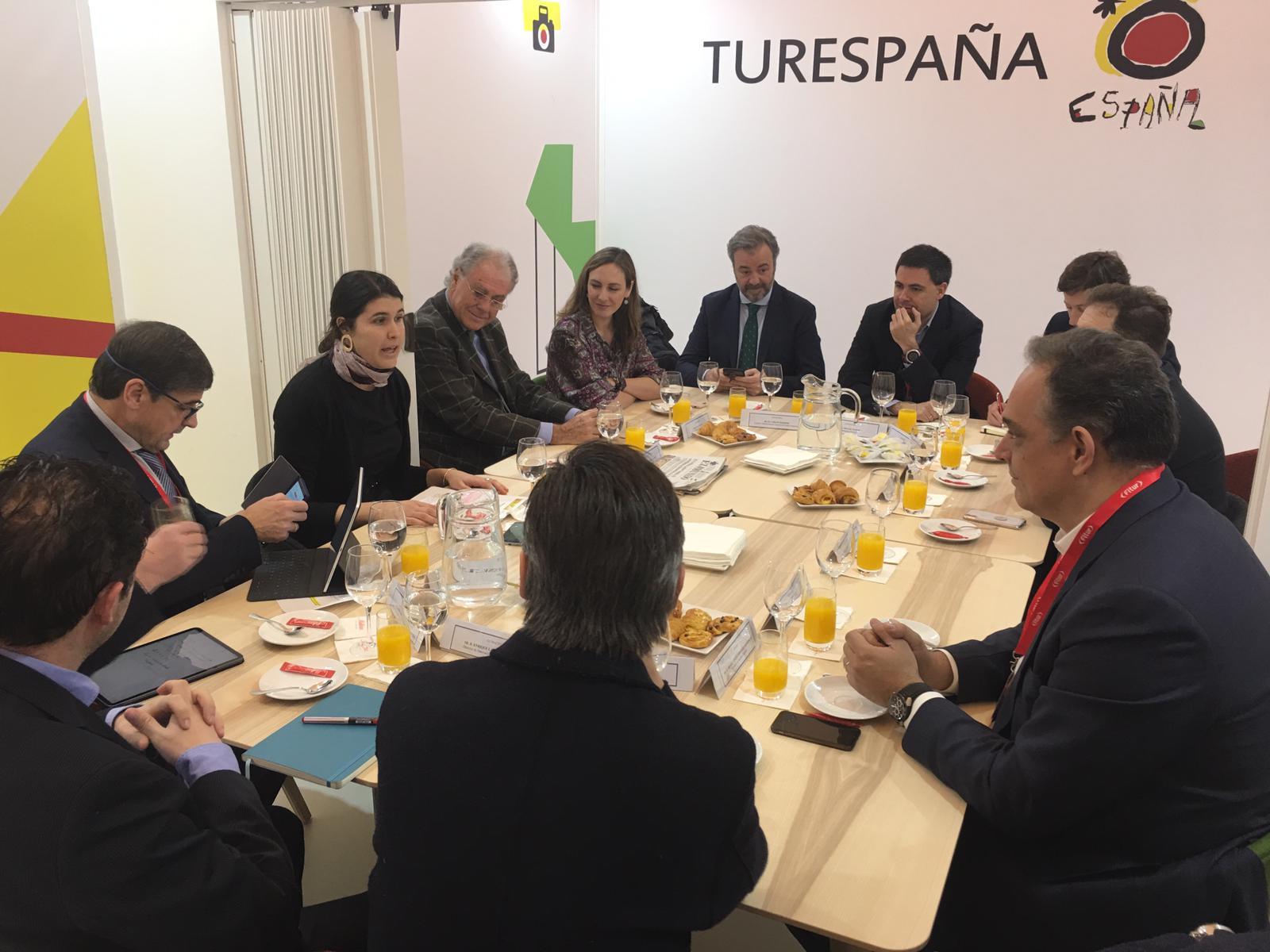 La colaboración público-privada es fundamental para mantener la posición de liderazgo de España como destino turístico.